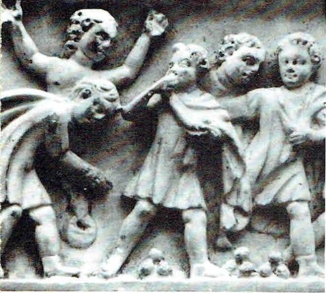Noix planchette bas relief romain version 2